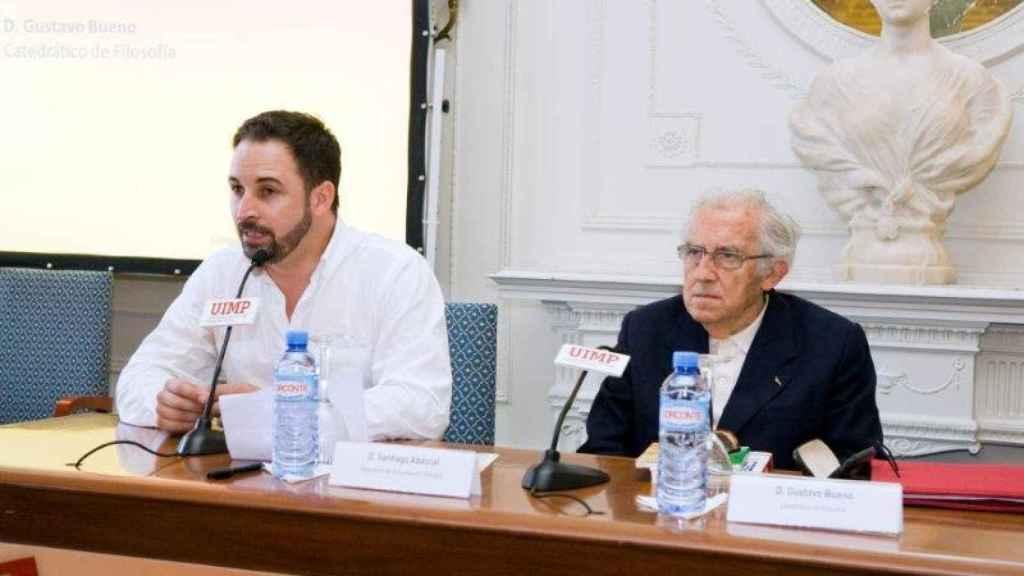 Santiago Abascal y Gustavo Bueno en la Escuela de Verano de Denaes en 2012.